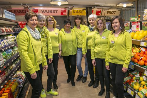 Spar konnte in ganz Österreich mit neuen Märkten aller Größen punkten. Im neu eröffneten Spar Großdorf sorgen diese Damen für guten Service.FA