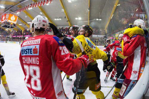 Teilweise hitzig verlief das zweite EBEL-Finalspiel zwischen dem KAC und den Capitals, das die Klagenfurter zu Hause für sich entschieden.gepa
