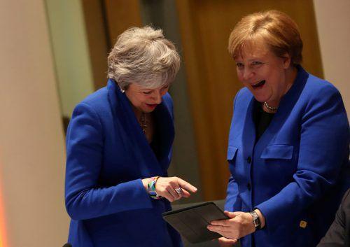 Theresa May und auch Angela Merkel trugen in Brüssel Europablau. reuters