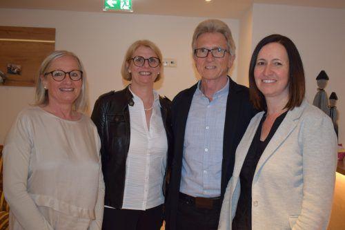 Vize-Obfrau Heike Hagspiel (r.) mit Vorgängerin Andrea Moosbrugger (l.) sowie GF Gaby Wirth und Obmann Elred Lipburger.