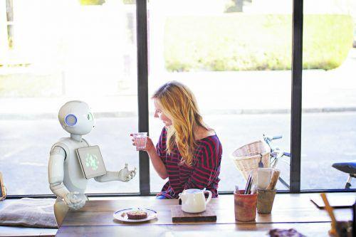 Zukünftig werden ein gutes Verhältnis und eine gute Verständigung zwischen künstlicher (KI) und menschlicher Intelligenz (MI) im Berufsleben immer wichtiger.