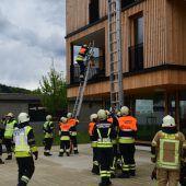 Feuerwehrprobe in Mäders Zentrum