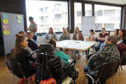 Am Freitag wurden in einem Workshop mit 120 Teilnehmern unterschiedlichste Fragestellungen gemeinsam erarbeitet. lebenshilfe