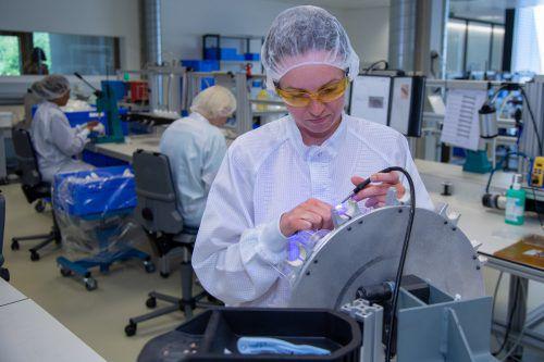 """A.M.I. ist Innovationsführer bei Medizinprodukten. Das Interesse an der neuen Innovation """"eUROmotion"""" – Electronic Artificial Urinary Sphincter – ist groß. VN/Lerch"""