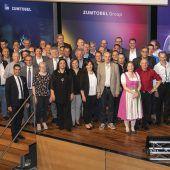 262 Mitarbeiter, die 5800 Jahre für die Zumtobel Group arbeiten