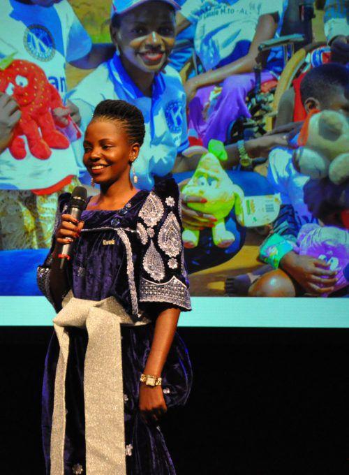 Catherine Namusisi vom Kiwanis-Club Wakiso in Uganda.