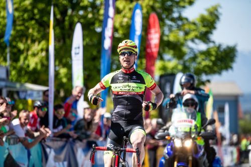 Colin Stüssi krönte mit seinem Sieg den perfekten Tag des Vorarlberg-Santic-Teams beim Grand Prix in Nenzing.VN/Sams