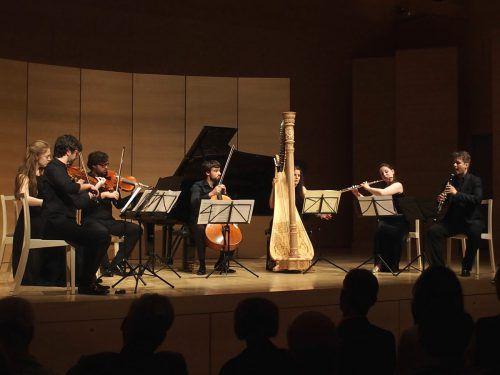 Das aus den Musikern des Festivals gebildete Ensemble präsentierte sich auf glänzendem Niveau. Jurmann