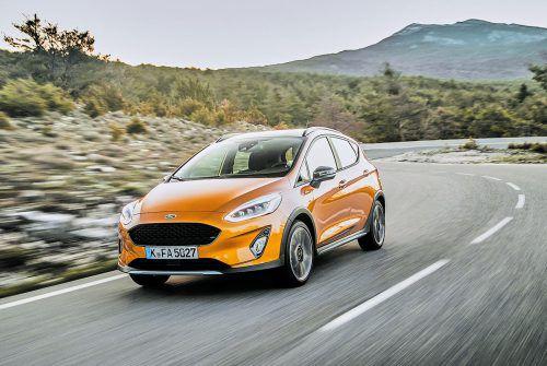 """Das Crossover-Thema schlägt auch in die Kleinwagenklasse durch. Mit robustem Outfit heißt das fünftürige """"Ford Fiesta"""" – Derivat """"Active""""."""