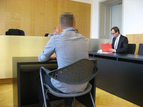 Das Gericht sprach den 28-jährigen Polizisten nach einem fünfstündigen Prozess vom Amtsmissbrauch frei.EC
