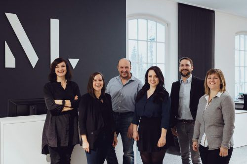 Das Massive Art Growth Marketing Team ist mit sechs Personen komplett.  M.Mayer
