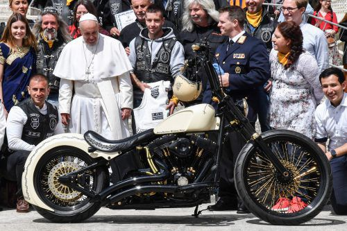 Das Motorrad wird versteigert. Der Erlös geht an ein Projekt von Missio Österreich.
