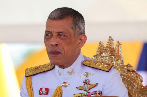 Der 66 Jahre alte Monarch amtiert seit dem Tod seines Vaters Bhumibol Adulyadej vor zweieinhalb Jahren. Doch erst jetzt wird er gekrönt. Reuters