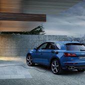 Autonews der WocheAudi Q5 als Plug-in-Hybrid / Ford Focus Topmodell auch als Kombi / Aufgewerteter Land Rover Discovery Sport