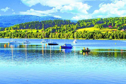 Der Moldaustausee ist der größte See Tschechiens. Shutterstock