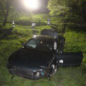 Dornbirn: Betrunkener Lenker stürzt mit Pkw 60 Meter weit ab