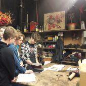 HTL-Schüler im Künstleratelier