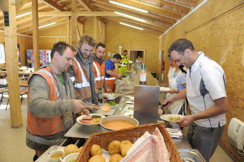 Die Kantine im Madlenerhaus war fast rund um die Uhr für die Arbeiter an der Baustelle des OVW II offen. Viele Lebensmittel wurden in Vorarlberg bezogen.iWV vkw