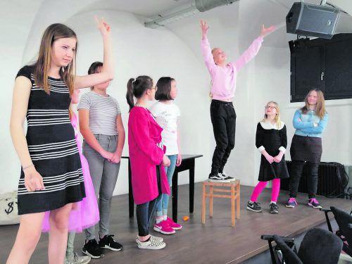 Die Kindertheatergruppe des Theaters am Saumarkt in Feldkirch transportiert mit dem Spiel auch ein Anliegen.Tas
