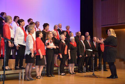 Die Konzertbesucher wurden mit einem akustischen Blütenstrauß von Melodien aus aller Welt bezaubert. gesangverein harmonie götzis