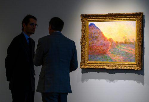 """Die Kunsthändler bei Sotheby's hatten Monets Werk """"Meules"""" zuvor auf """"nur"""" 55 Millionen Dollar taxiert. afp"""