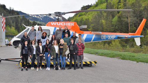 Die Lehrlinge vom Kummenberg auf einer spannenden Exkursion zur Firma Wucher. Loacker