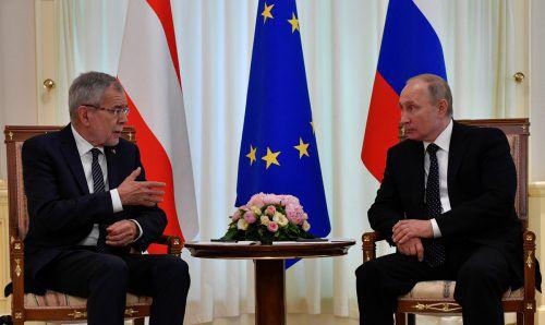 Die Präsidenten Alexander Van der Bellen und Wladimir Putin trafen sich in Sotschi.reuters