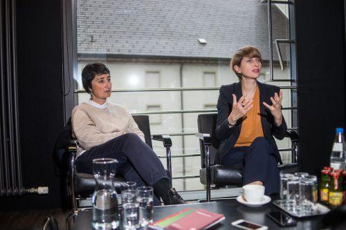 Die Professorinnen Burcu Dogramaci und Kerstin Thomas waren anlässlich der Miriam-Cahn-Ausstellung im Kunsthaus in Bregenz zu Gast. VN/Steurer