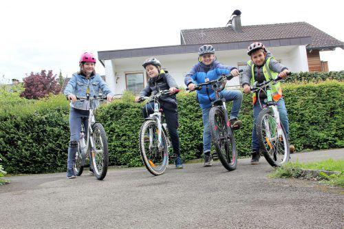 Die Schüler der 4c der Volksschule Dornbirn Schoren fahren regelmäßig mit dem Fahrrad. VN/Maier-Ortner