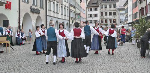 Die Trachtengruppe Feldkirch tanzt am Samstag in der Innenstadt. trachtengruppe
