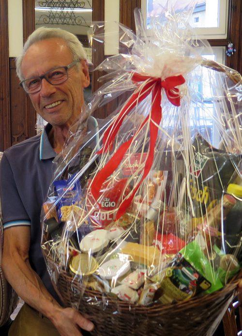 Dr. Peter Weiss durfte sich über den Hauptpreis freuen. sr bregenz