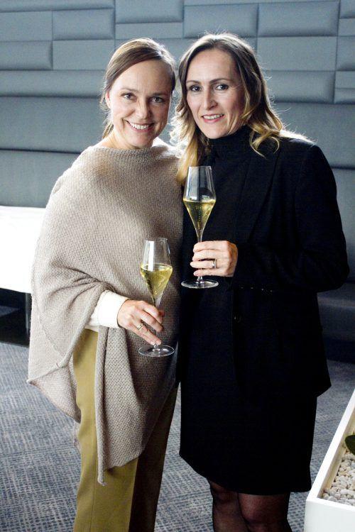 Einen schönen Abend hatten Petra Moosbrugger (l.) und Elke Natter.