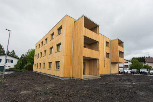 Erstes 500+ Haus, vorgestellt von Vogewosi-GF Lorenz, AR Hofer und Bgm. Fischer. VN/steurer