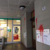 Bregenz: Farbbomben auf ÖVP-Landesgeschäftsstelle