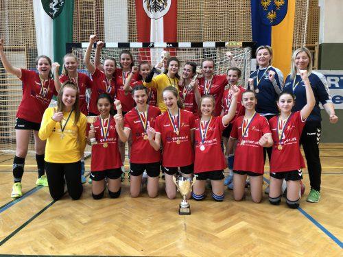 Großer Jubel herrschte bei den LAZ-Mädchen nach dem souveränen Finalsieg gegen Niederösterreich.th