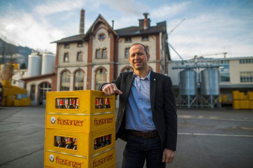Frastanzer Bierspezialitäten finden immer mehr Fans. Deshalb braucht Brauerei-Chef Kurt Michelini mehr Platz - allerdings nicht im historischen Sudhaus. VN/RP