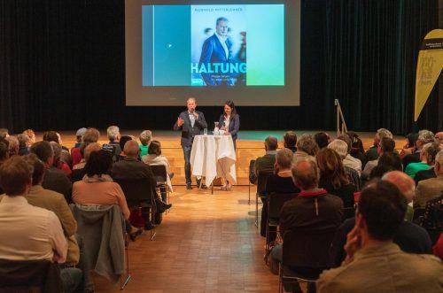 Großes Publikumsinteresse an Buchpräsentation von Ex-Vizekanzler Mitterlehner in Mäder. VN/Stiplovsek