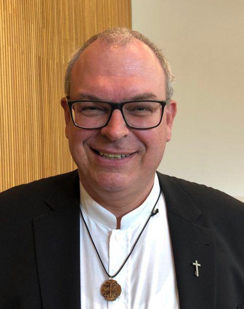 """""""Ich bin mit Leib und Seele Pfarrer"""", sagt der künftige Generalvikar Hubert Lenz. VN/Walser"""