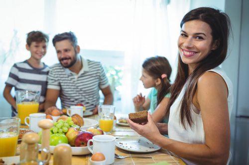 Im Alltag ist für ein gemeinsames Frühstück meist keine Zeit. Warum also nicht am Muttertag mit einem ausgiebigen Brunch starten.