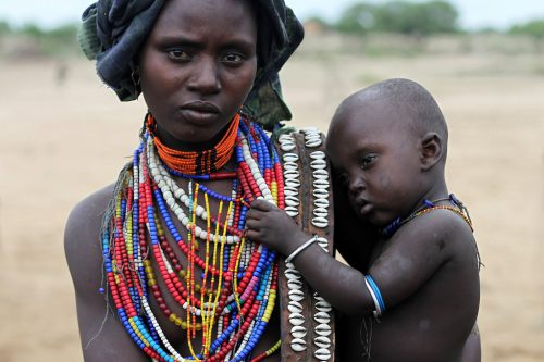 In 70 Ländern auf der Welt wird Muttertag gefeiert. Dabei gilt: Andere Länder, andere Sitten. Shutterstock
