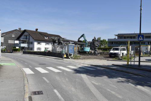 In der Rankler Hadeldorfstraße wird gebaut, das sorgt für Verkehrseinschränkungen. Rankweil