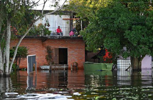 In zwei Tagen habe es so viel geregnet wie sonst in einem Monat. AFP