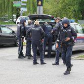 Polizei: Kein öffentliches Hantieren mit Waffen