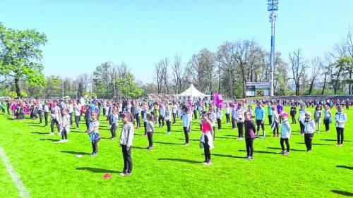 Insgesamt 1700 Aktive, 90 davon von der TS Wolfurt, sind Teil der großen Eröffnungsfeier. ts wolfurt