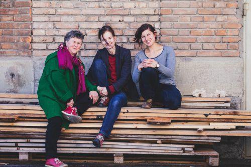 """Isolde Adamek, Brigitte Soraperra und Magdalena Türtscher haben das Festival """"Use what you have"""" auf die Beine gestellt. türtscher"""