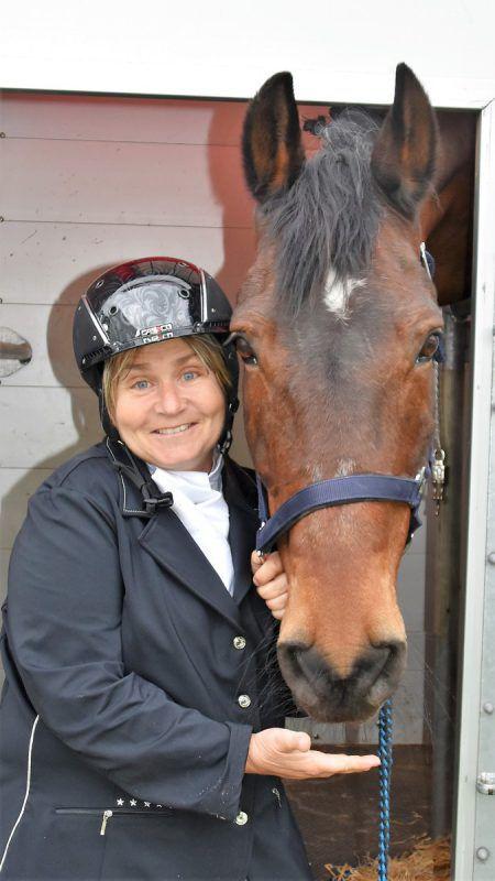 Karin Krammel mit Darco: Sie gewannen den Para-Dressur-Wettbewerb.