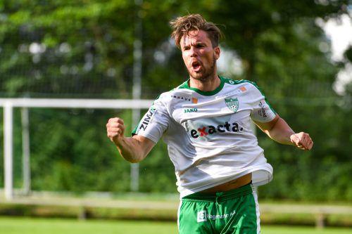Letzte Saison netzte er noch für Langenegg ein, heute soll er den neu gegründeten FC Rotenberg mit Toren zum Sieg gegen SW Bregenz schießen: Kevin Bentele.Lerch