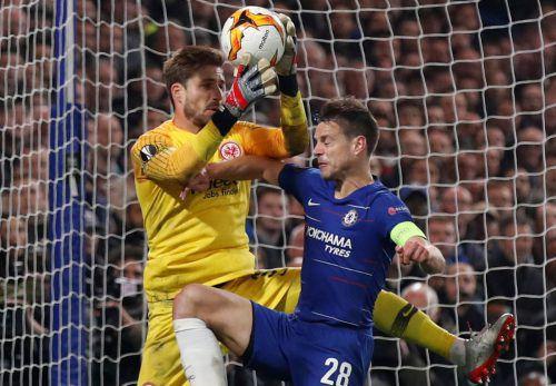 Kevin Trapp und Co. waren so nahe dran am Finale, am Ende aber verlor die Eintracht ein dramatisches Spiel an der Stamford Bridge.Reuters, AFP, AP