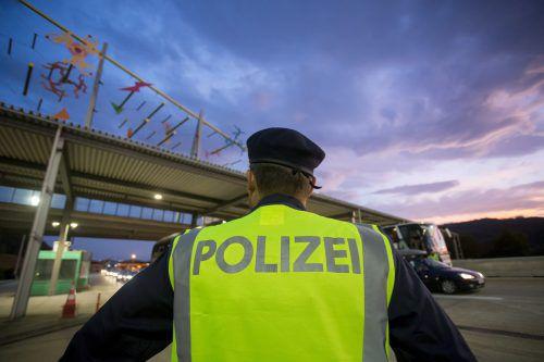 Kickl will die Kontrollen an den Grenzen zu Slowenien und Ungarn weiterführen. Ein Antwortschreiben der EU-Kommission liegt laut seinem Ressort nicht vor.APA
