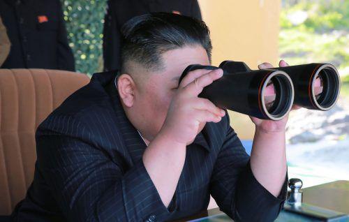"""Kim Jong-un habe am Donnerstag persönlich die Übung für """"verschiedene Angriffsmittel von großer Reichweite"""" überwacht, berichteten die Staatsmedien.AFP"""